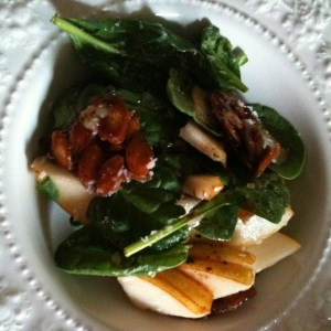 Pear, Gorgonzola & Candied Pumpkin Seed Salad via @HipVegetarian